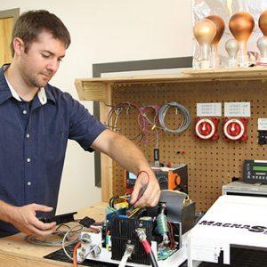 Opravy/servis frekvenčných meničov